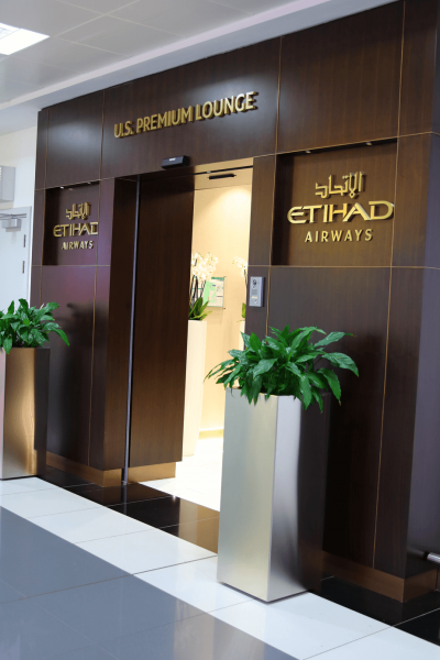 Etihad Airways Business Class FIrst Class Premium Lounge Abu Dhabi World Travel Adventurers Luxury Travel Emirates UAE