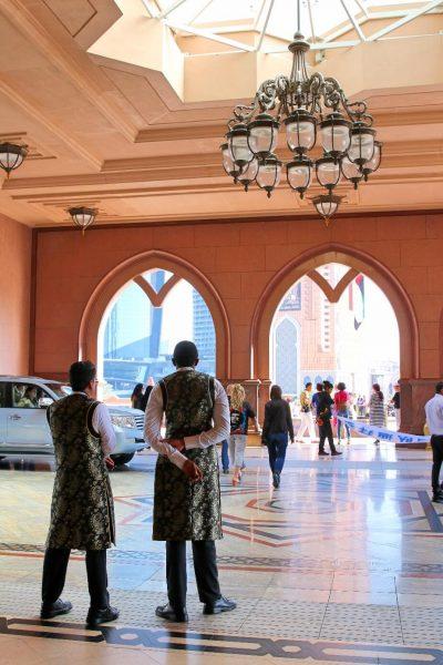 emiratespalacefront, emiratespalaceentrance, Emirates Palace, Abu Dhabi, United Arab Emirates, UAE, luxury travel, luxury hotel, 5 star hotel, world travel adventurers, WorldTravelAdventurers, world's 2nd most expensive hotel, hotel review
