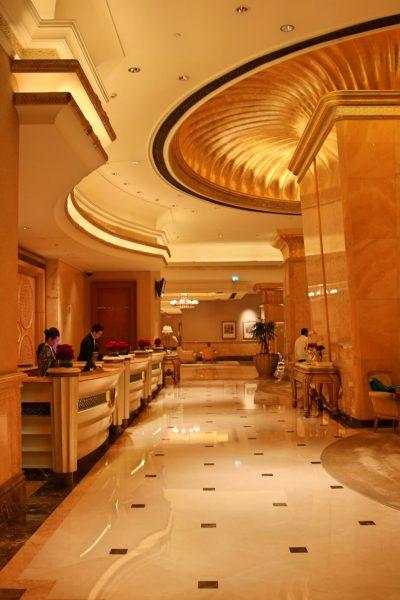 emiratespalace lobby, emiratespalaceentrance, Emirates Palace, Abu Dhabi, United Arab Emirates, UAE, luxury travel, luxury hotel, 5 star hotel, world travel adventurers, WorldTravelAdventurers, world's 2nd most expensive hotel, hotel review