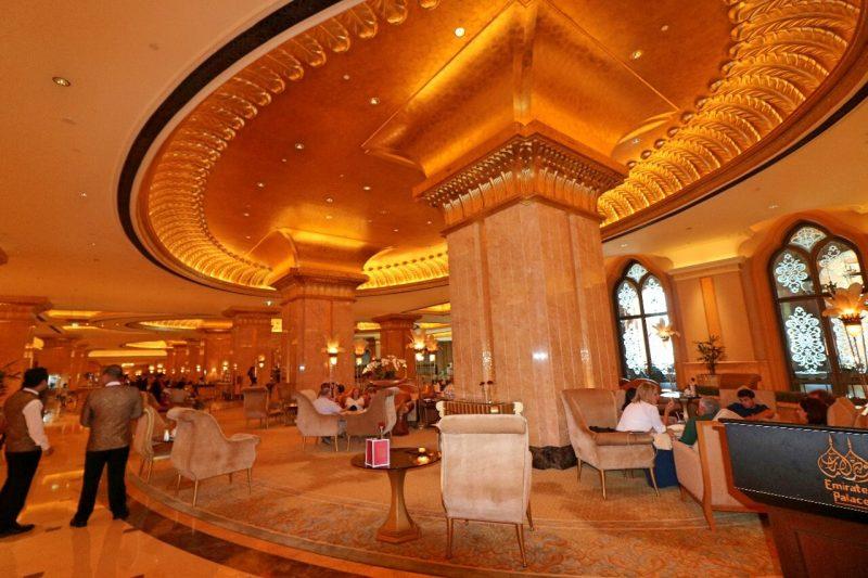 emiratespalaceentrance, Emirates Palace, Abu Dhabi, United Arab Emirates, UAE, luxury travel, luxury hotel, 5 star hotel, world travel adventurers, WorldTravelAdventurers, world's 2nd most expensive hotel, hotel review