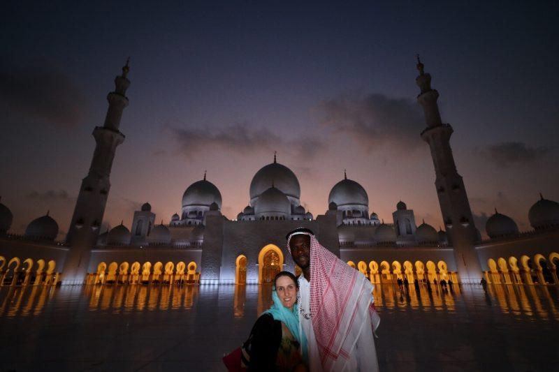 Sheikh Zayed Grand Mosque, Abu Dhabi, United Arab Emirates, UAE, architecture, art, world travel adventurers, WorldTravelAdventurers, luxury travel, luxury, prayer hall, arcades, lunar illumination