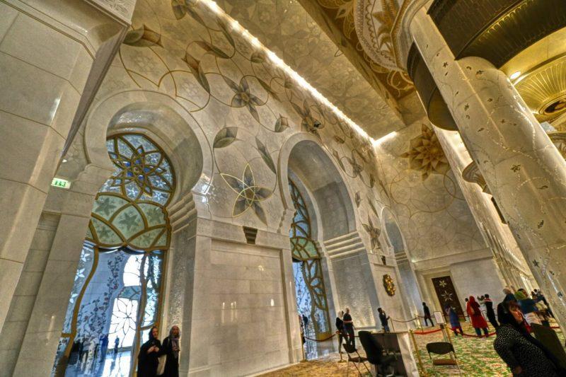 Sheikh Zayed Grand Mosque, Abu Dhabi, United Arab Emirates, UAE, architecture, art, world travel adventurers, WorldTravelAdventurers, luxury travel, luxury, prayer hall, walls, windows