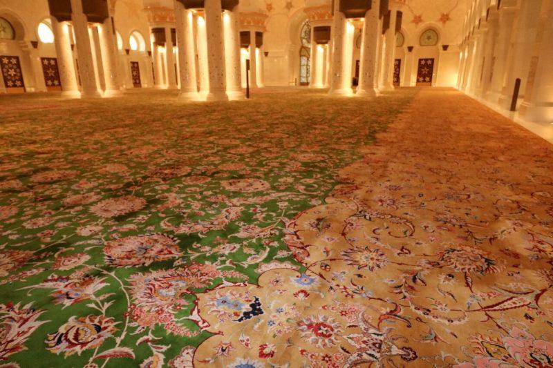 Sheikh Zayed Grand Mosque, Abu Dhabi, United Arab Emirates, UAE, architecture, art, world travel adventurers, WorldTravelAdventurers, luxury travel, luxury, prayer hall, carpet, Iranian