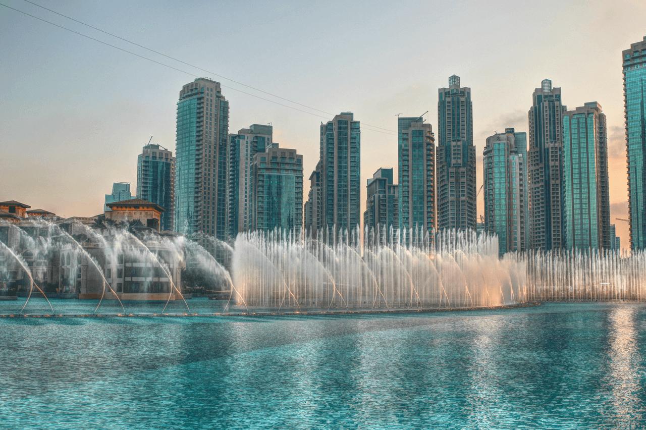 Dubai Landmarks World S Tallest Building Largest Mall