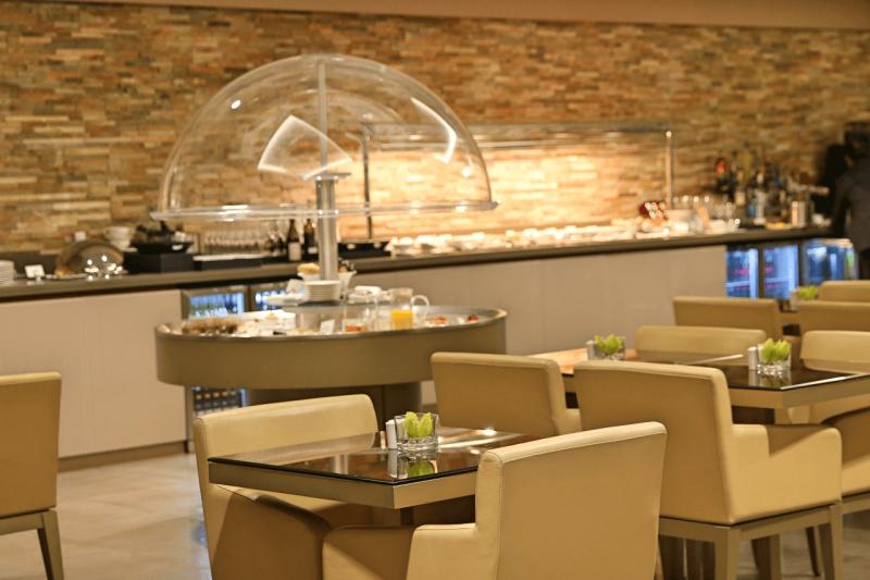 Emirates First Class Business Class Lounge Milan Malpensa World Travel Adventurers Milan Malpensa Airport