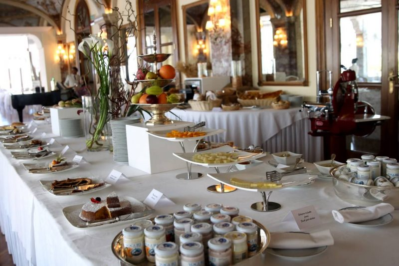 Review of Grand Hotel Excelsior Vittoria, Where to Stay in Sorrento Italy, Best hotel on Amalfi Coast, Luxury hotel review