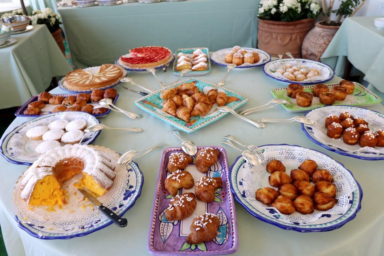 Breakfast at Le Sirenuse